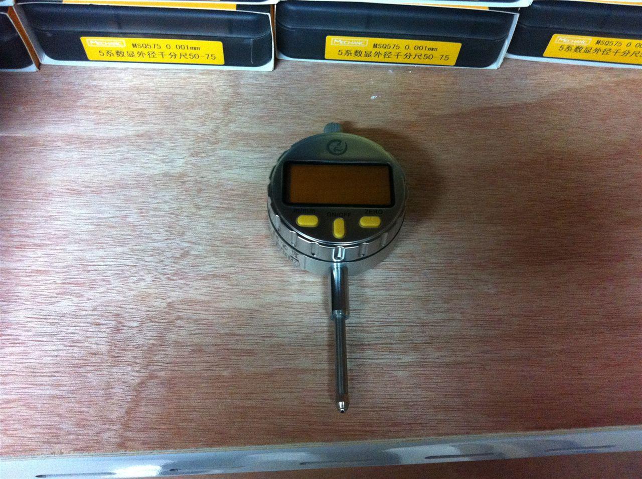 机械工人量具5系数显百分表 0-25X0.01