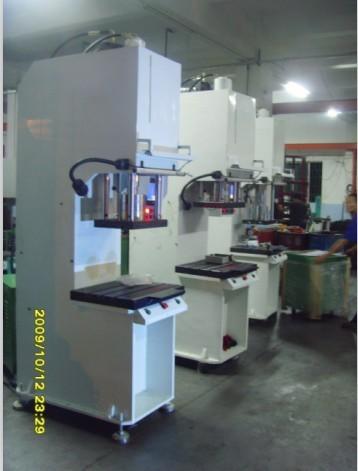 重庆数控弓形油压机/液压机/单柱压装机
